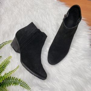 Blondo Black Waterproof Ankle Suede Booties